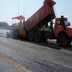 عملیات آغاز آسفالت در سطح شهر دابودشت به روایت تصویر
