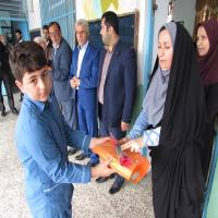 اهدا هدایا به بهترین انشا با موضوع اگر من شهردار بودم ...توسط شهردار و شورای اسلامی دابودشت