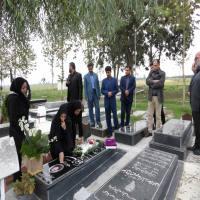 در سالروزدرگذشت مسئول فضای سبز شهرداری مرحومه جوکار، شهردار و کارکنان شهرداری یادش را گرامی داشتند