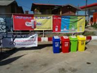 قرار دادن سطل های تفکیک زباله خشک در ساختمان شهرداری و جنب ایستگاه هلال احمر شهر دابودشت