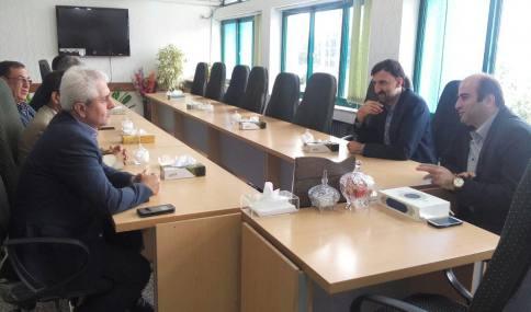 شورای شهر دابودشت و قاسمی شهردار از مرزبند رئیس آموزش و پرورش شهرستان آمل دیدار کردند.