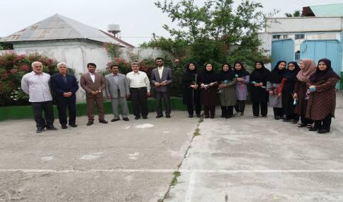 تجلیل از معلمان مدارس ابتدایی و متوسطه اول شهید فاضلی شهر دابودشت در هفته معلم