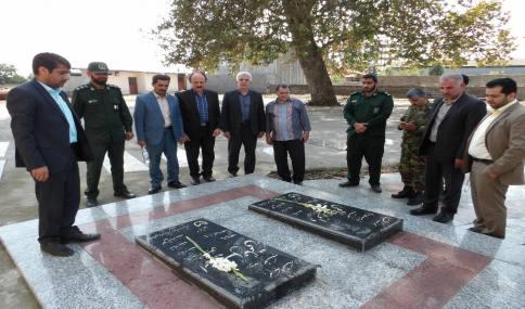 غبارروبی گلزار شهدای شهر دابودشت و دیدار با جانباز سرافراز ابراهیم صدیقی