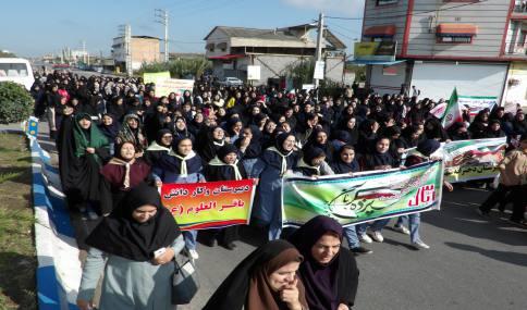 راهپیمایی با شکوه  13 آبان در شهر دابودشت