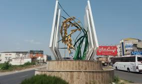 نصب المان برنج در شهر دابودشت