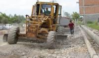 عملیات خاکبرداری ، زیرسازی و آسفالت خیابان های  سعدی و حضرت ولیعصر (عج) با اعتباری بالغ بر 7000میلیون ریال