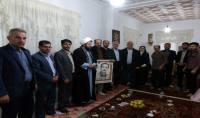 دیدارامام جمعه و مسئولین شهر دابودشت  با خانواده های شهدای شهر دابودشت در هفته بسیج