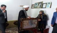 دیدار  امام جمعه دابودشت و دشت سر ،بخشدار دابودشت و اعضا شورای اسلامی شهر دابودشت  با مادر شهید ارجمندی در روز شهدا